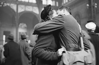 soldiers farewell penn station 1944 alfred eisenstaedt.jpg